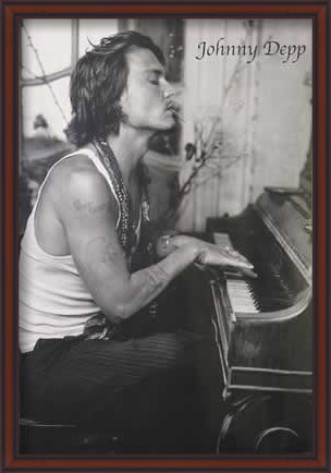 Juliste Johnny Depp - Piano
